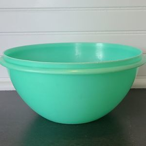 Vintage Tupperware Wonderlier Bowl Green